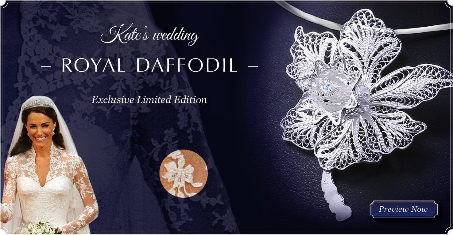 The Royal Daffodil Pendant